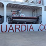 La nave Ubaldo Diciotti nel porto di Catania